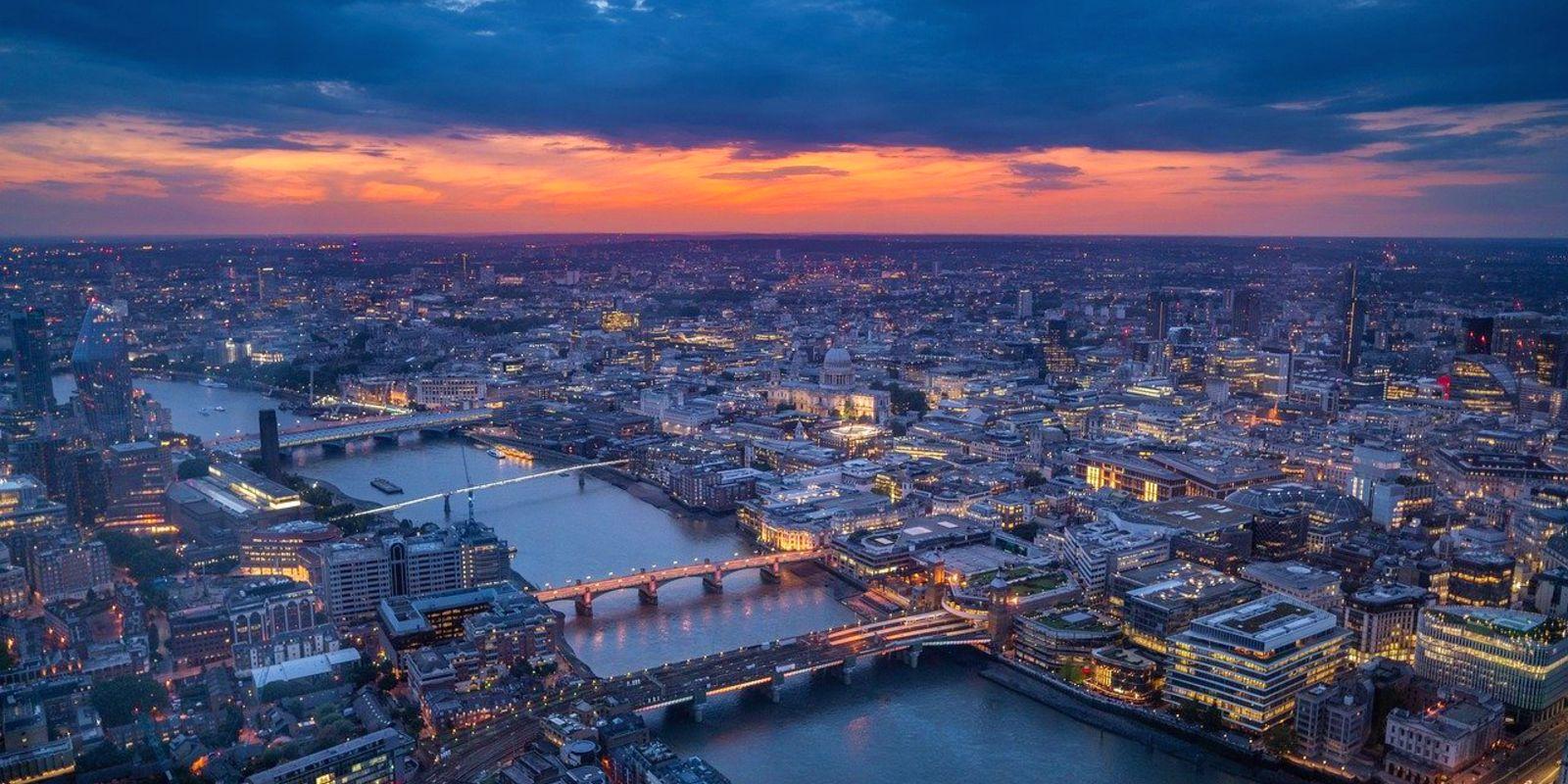 fiume Tamigi river Thames Londra